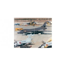 Herpa 570725 Flygplan U.S. Air Force Rockwell B-1B Lancer – 86-0114 -