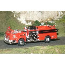 Busch 46011 American LaFrance Cabriolet Pumpbil