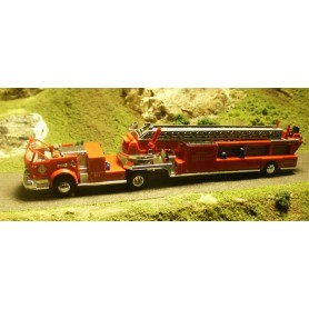 "Busch 46014 American LaFrance Cabriolet ""Smoke Datectors Save Lives"""