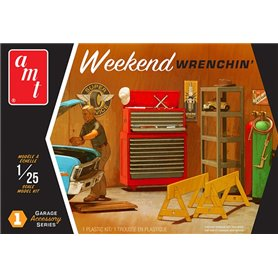 AMT PP015 Weekend Wrenchin' Garage Accessory Set 1