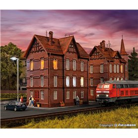 Vollmer 43806 Railwayman`s house with roof ridge