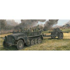 Dragon 6939 Markfordon Sd.Kfz.10 Ausf.A with 10.5 cm leFH18/40