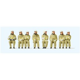 Preiser 10769 Sittande brandmän med beige uniformer, 8 st