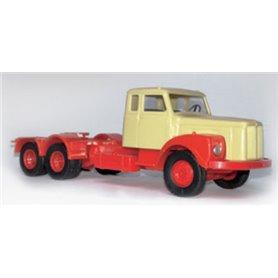 VK Modelle 77034 Dragbil Scania 111, beige/röd, 3-axlig