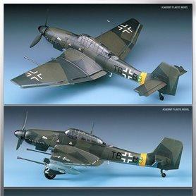 "Academy 12450 Flygplan Junkers JU87G-1 Stuka ""Tank Buster"""