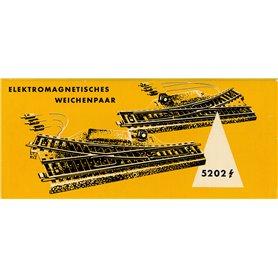 Märklin 5202.1 Elektromagnetiskt växelpar höger/vänster 24°, äldre typ