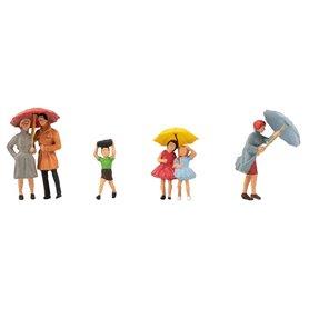 Faller 150953 Gående med paraplyn, 6 figurer med tillbehör