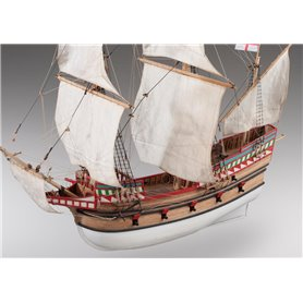 Dusek D017 Golden Hind - Ship of Sir Francis Drake