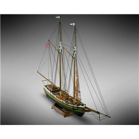 Mamoli MM06 Flying Fish - Wooden model kit with pre-carved hull