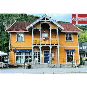 Joswood 25024 Lanthandel med fin veranda, Norsk förebild