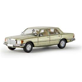 "Brekina 13155 Mercedes Benz 450 SEL (W116), ljusgrön metallic, ""Von Starmada"""