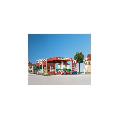 Kibri 8704 Tankstation och verkstadsbyggnad med fordon