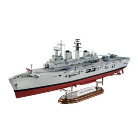 "Revell 65172 HMS Invincible (Falkland War) ""Gift Set"""