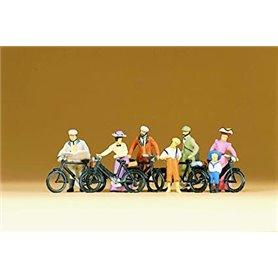 Preiser 12129 Stående cyklister, 1900-tals klädda, 7 st
