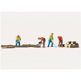 Merten H0 2574 Skogsarbetare, 4 st med tillbehör