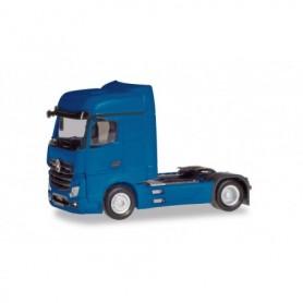Herpa 309189-002 Mercedes-Benz Actros Bigspace tractor, gentian blue