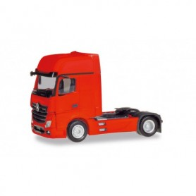 Herpa 309202-002 Mercedes-Benz Actros Gigaspace `18 tractor, red