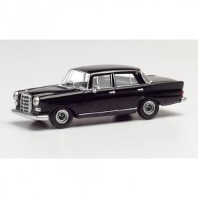 Herpa 420457 Mercedes-Benz 200 tail fin, black