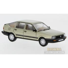 Brekina 870077 VW Passat B2, metallic-beige, 1985, PCX