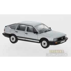 Brekina 870078 VW Passat B2, silver, 1985, PCX