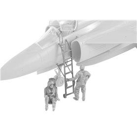 CMK F72352 1/72 SK-37/SK-37E Viggen instruktor/Operator (seated in rear cockpit) and Pilot Climbing Ladder