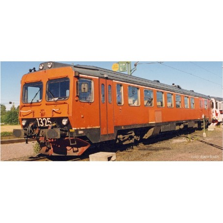 NMJ 93005DCC Dieselmotorvagn SJ YF1 1325, Oransje, DCC