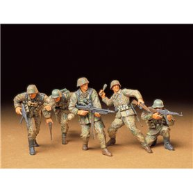 Tamiya 35196 Figurer German Front-Line Infantrymen