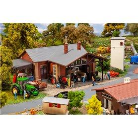 Faller 130579 Agricultural machine workshop