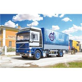Italeri 3945 Volvo F16 Globetrotter Canvas Truck with elevator