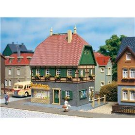 Auhagen 12347 House with shop