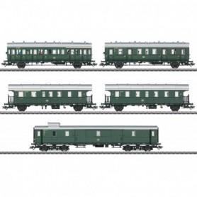Märklin 43144 Passenger Car Set for the Class E 44.5