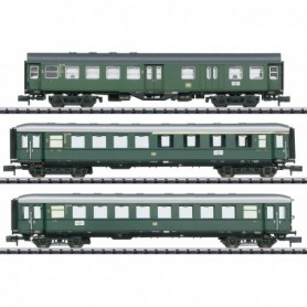 Trix 18209 Limited Stop Fast Passenger Train in the Danube Valley Car Set