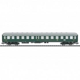 Trix 23166 Passenger Car, 2nd Class
