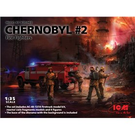ICM 35902 Chernobyl 2. Fire Fighters -AC-40-137A firetruck & 4 figures & diorama base with background