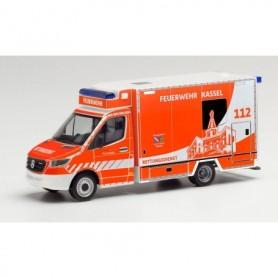 """Herpa 095945 Mercedes-Benz Sprinter 18 Fahrtec ambulance """"Feuerwehr Kassel"""""""