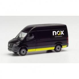 """Herpa 096102 Mercedes-Benz Sprinter `18 Box """"NOX"""""""