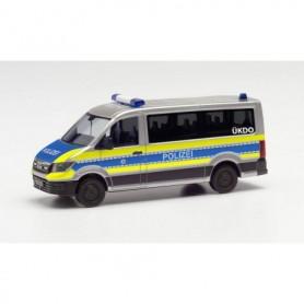 """Herpa 096195 MAN TGE bus flat roof """"Police Wiesbaden"""""""