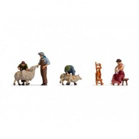 Noch 15751 Trimmning av får, 4 figurer med tillbehör