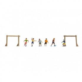 Noch 36817 Barn på fotbollsplan, 6 figurer med tillbehör