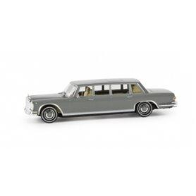"""Mercedes Benz 600 Limousine, grå """"Von Starmada"""""""