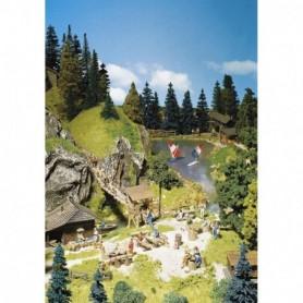 Faller 180573 Tillbehör för picknicken, bord, bänkar, stolar, fontäner och en trave med ved
