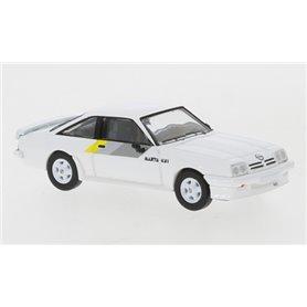 Brekina 870062 Opel Manta B GSI, vit, 1984, PCX