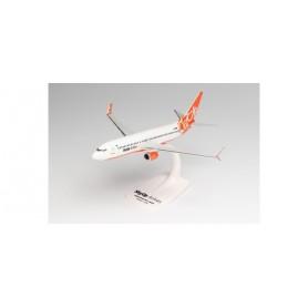 Herpa Wings 613187 Flygplan SkyUp Airlines Boeing 737-800 – UR-SQB