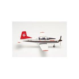 Herpa Wings 580656 Flygplan Swissair Pilatus PC-7 Turbo Trainer (Schweizerische Luftverkehrsschule) – HB-HOQ