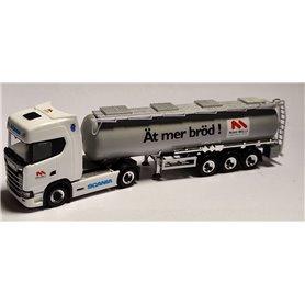 """AHM AH-985 Scania CS20 HD med tanktrailer """"Nord Mills - Ät mer bröd!"""""""