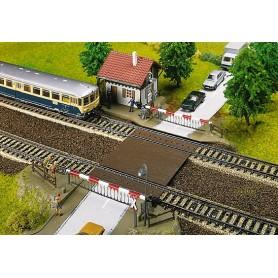 Faller 120174 Bevakad järnvägsövergång med kur