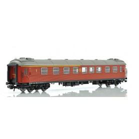 NMJ 203002 Personvagn SJ ABo3K.4864 1:a/2:a klass brun, rund SJ-logo