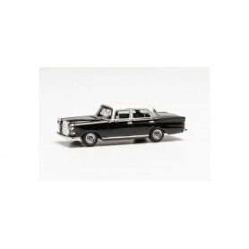 Herpa 430739-002 Mercedes-Benz 200 tail fin, black|white