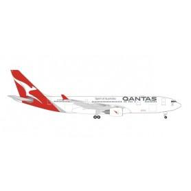 """Herpa Wings 535854 Flygplan Qantas Airbus A330-200 – VH-EBO """"Kimberley"""""""