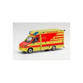 """Herpa 096522 Mercedes-Benz Sprinter '18 Fahrtec ambulance """"District of Holzminden"""""""